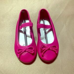 Girl hot pink flat shoes